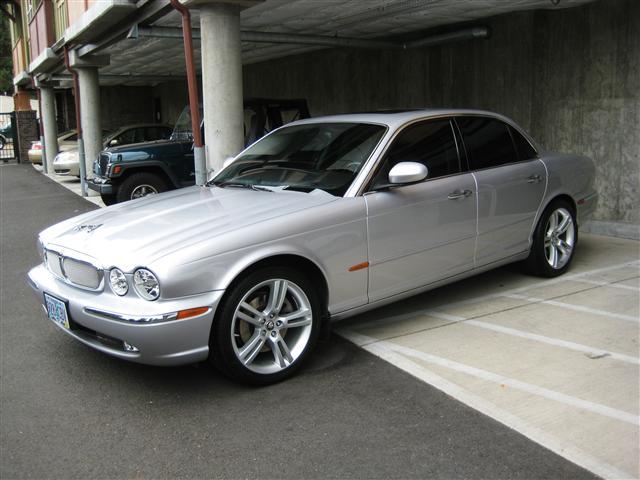 2004 Jaguar Xj8 Silver Black Exceptional Condition